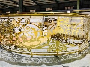 gia công cầu thang lan can inox mạ vàng