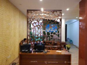 Vách ngăn Hoa Văn Inox Mạ Đồng tại Đa Hình